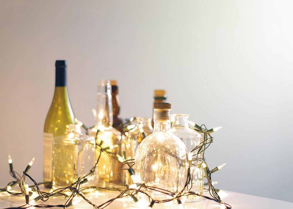 Dekoracja z butelek i lampek LED