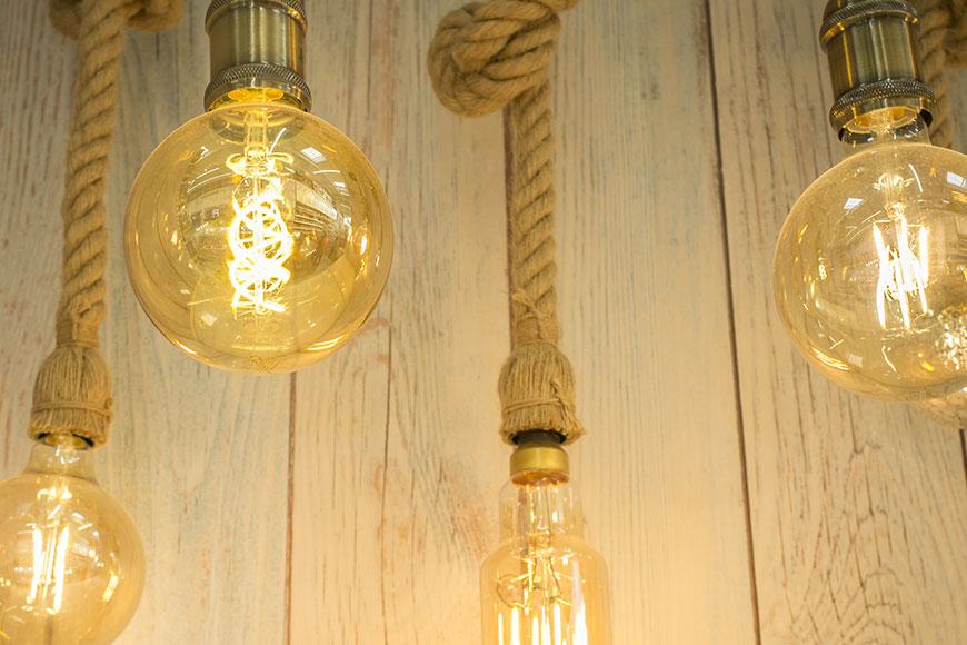 Lampy z liny jutowej.