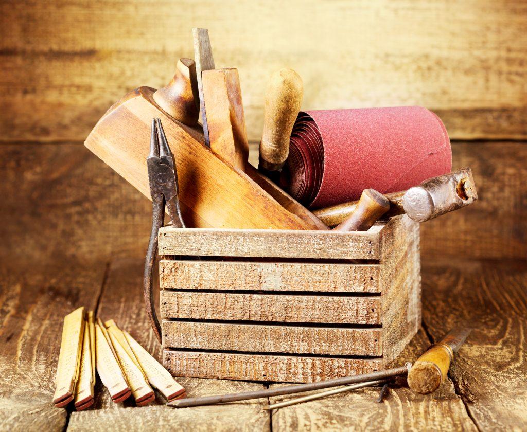 Skrzynki drewniane (nie) tylko na owoce – najpopularniejsze pomysły na aranżacje do domu i ogrodu 5