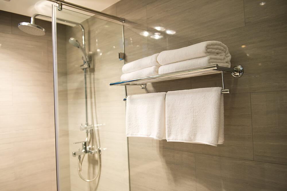 Kabina prysznicowa z uszczelką magnetyczną
