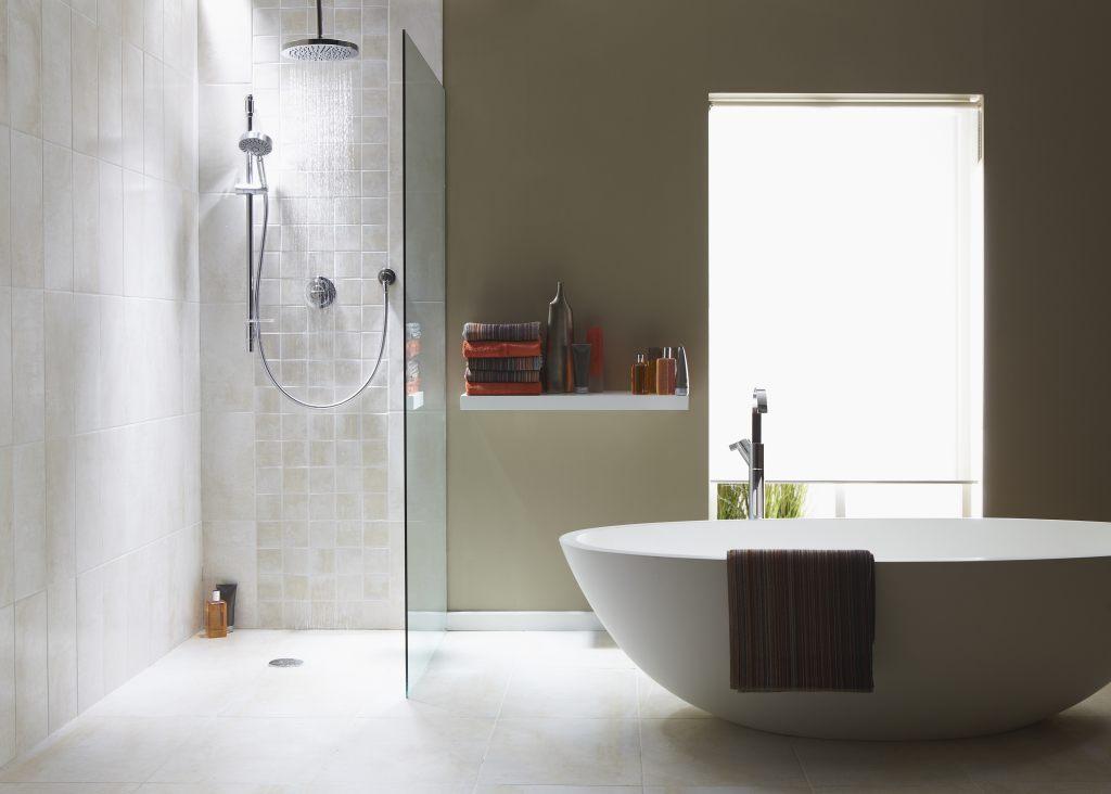 Funkcjonalny i nowoczesny prysznic – wszystko co powinieneś wiedzieć od A do Z 2