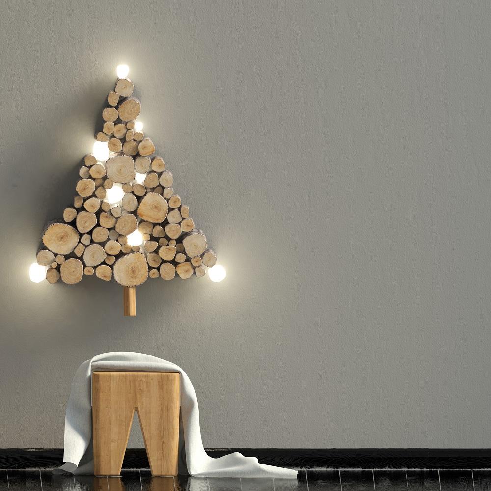 Choinka z drewna na ścianie
