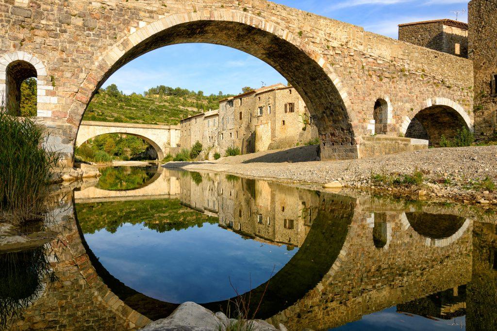 most-odbicie-w-wodzie-symetria