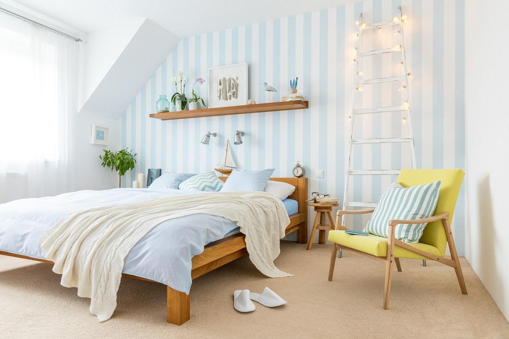 Sypialnia w stylu marynistycznym.