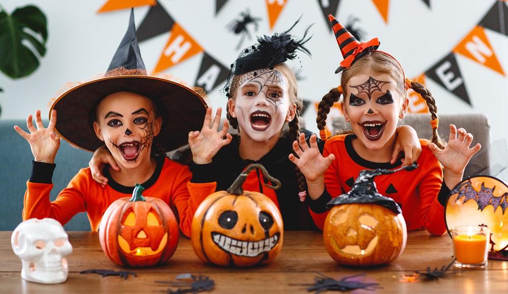Dzieci przebrane na Halloween