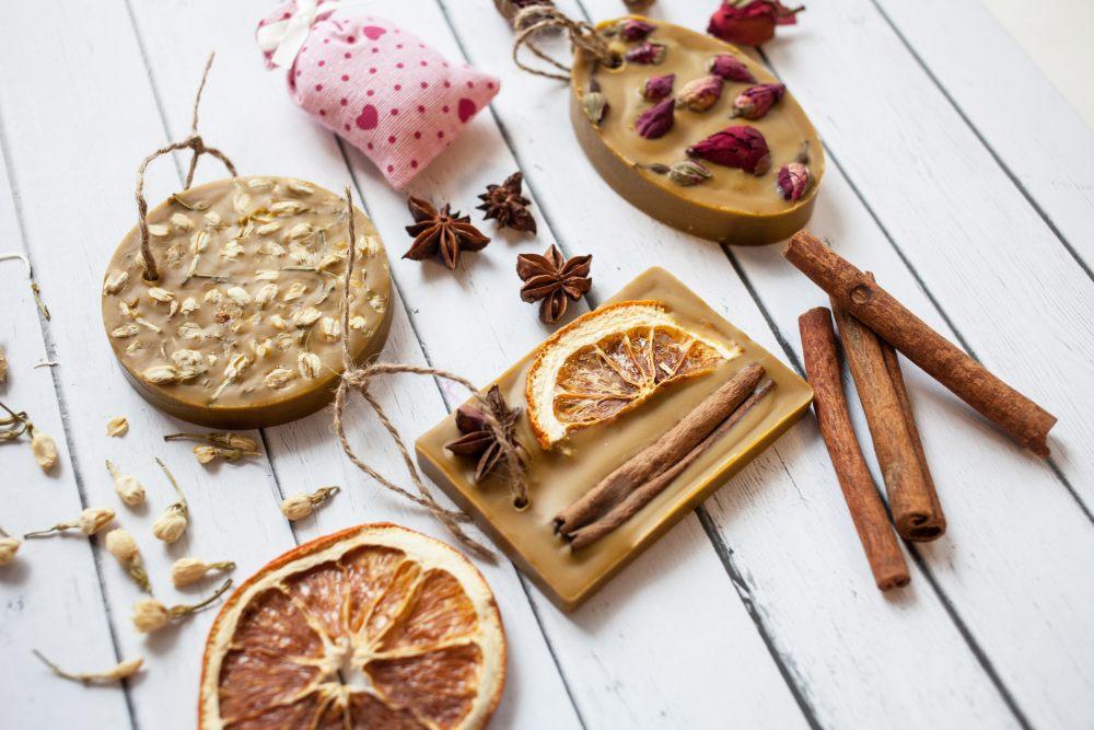 mydlo-prezent-DIY-pomarancza-roza-anyz