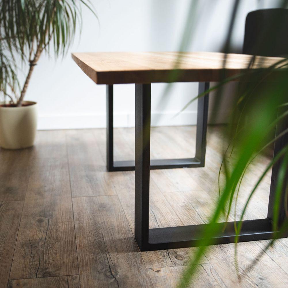 stol-lamo-nogi-metalowe-drewniany-blat