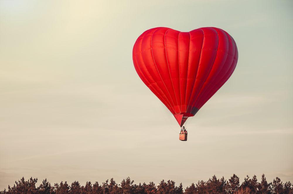 lot-balonem-na-walentynki