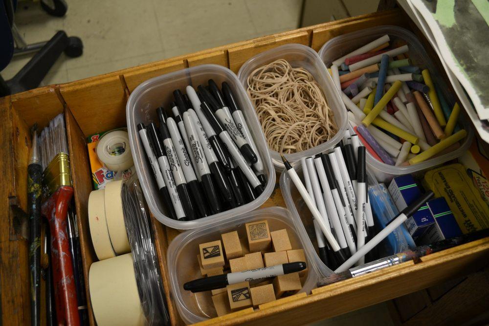 dobra-organizacja-rzeczy-w-szufladzie