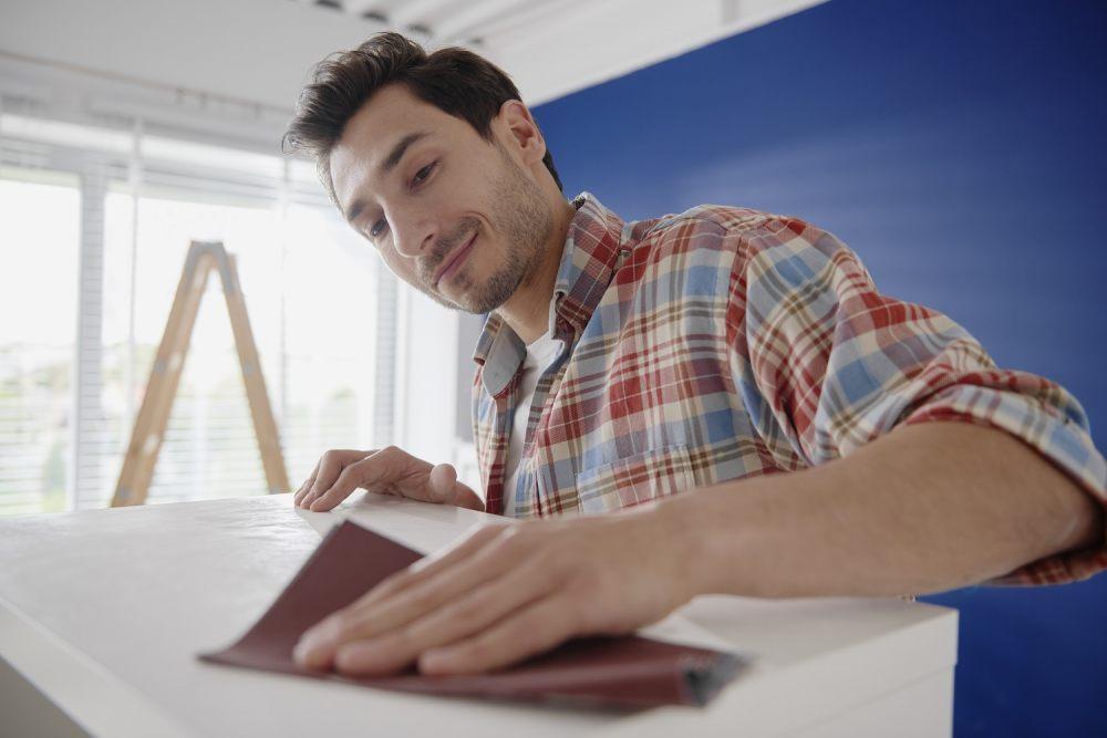 DIY dla początkujących - 3 proste sposoby na domową renowację mebli 1