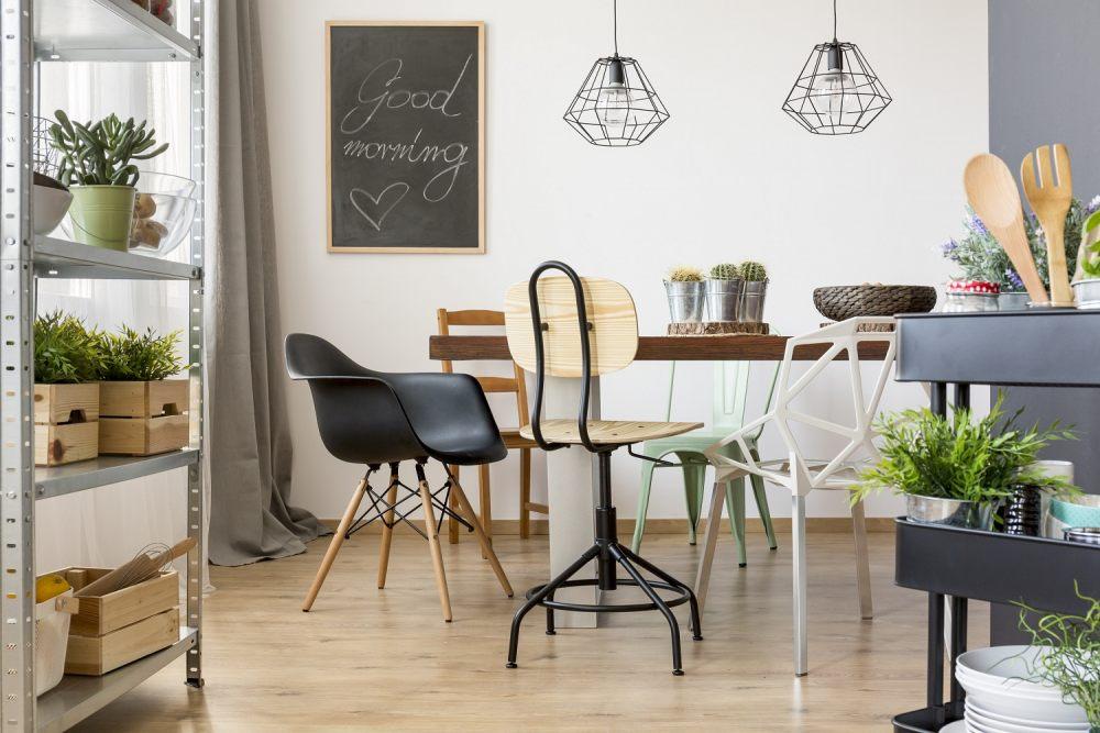 krzesla-w-roznych-stylach-doskonale-wygladaja-zestawione-razem