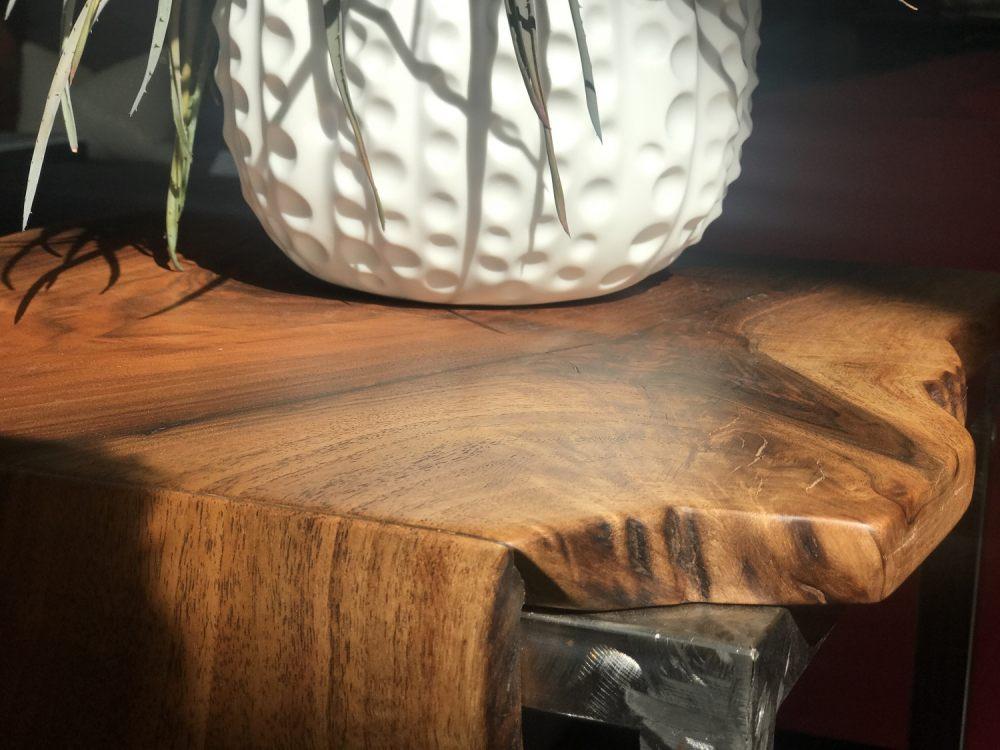 orzech-doskonale-drewno-na-meble
