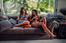 Kącik kawowy – 7 pomysłów, jak zaaranżować miejsce na odpoczynek w domu