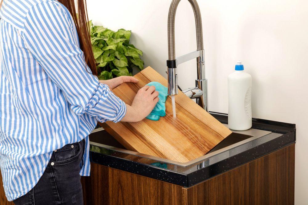 codzienna-pielegnacja-jest-kluczem-do-zachowania-deski-drewnianej-w-swietnym-stanie