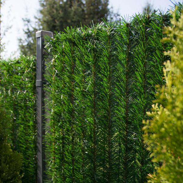 Ciemnozielona osłona na ogrodzenie sztuczny żywopłot GreenFences 120 cm